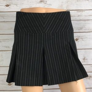 Beautiful Pin-Stripe Pleater skirt